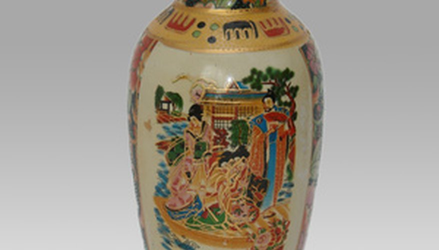 After 1890, all pottery imported to the U.S. is imprinted with its country of origin.