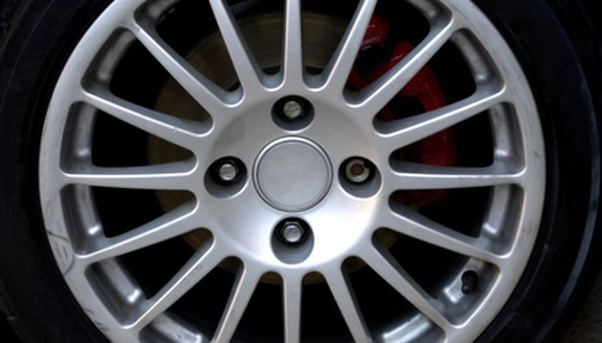 Wheel nut torque specifications vary with different Mitsubishi models.