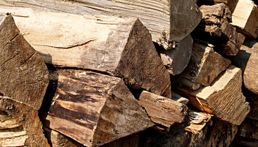 There are different types of hydraulic fluids used in wood splitters
