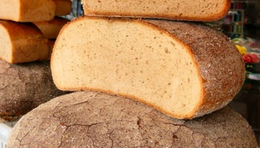 Make homemade bread at home with the Panasonic SD-253.