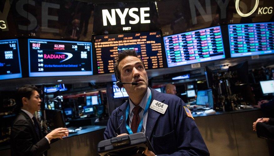 La NYSE continúa realizando transacciones en forma personal .