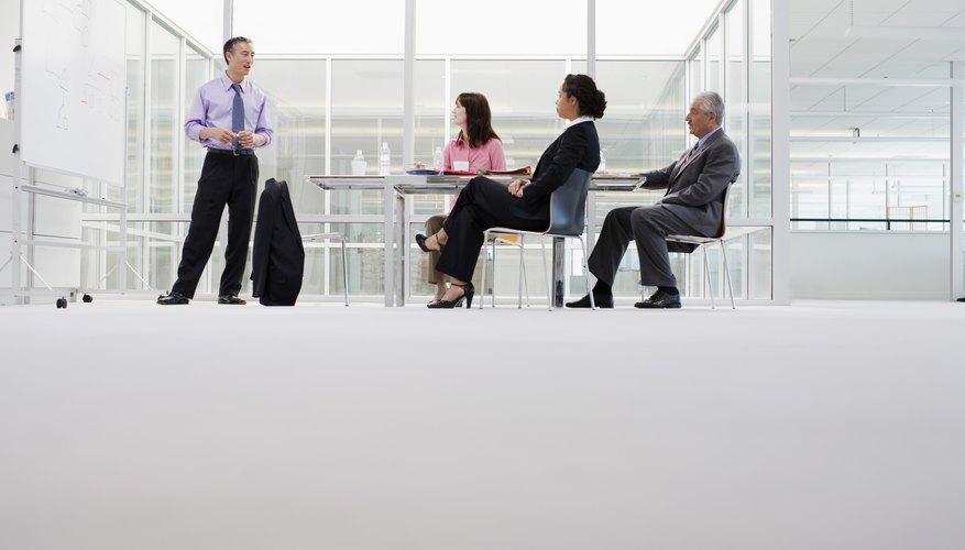 Un gerente ineficaz no puede comunicar su visión y los objetivos a sus subordinados.