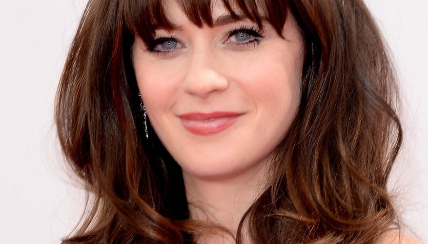 Zooey Deschanel's curls at the 2013 65th Primetime Emmy Awards.