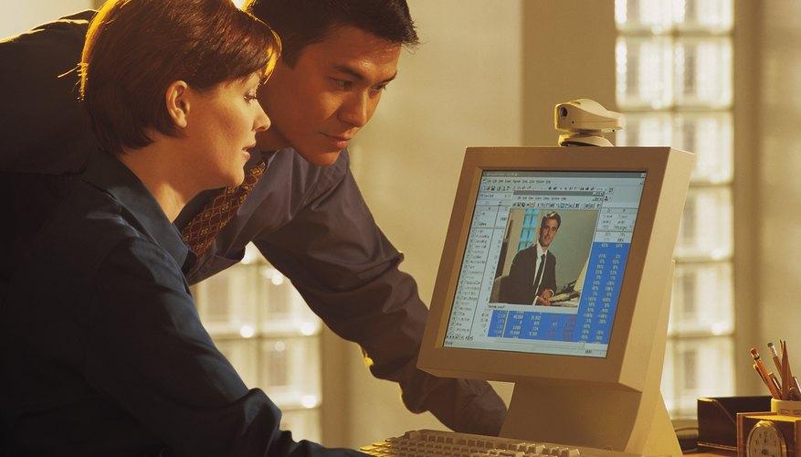 La publicidad online permite llegar a personas en todo el mundo.