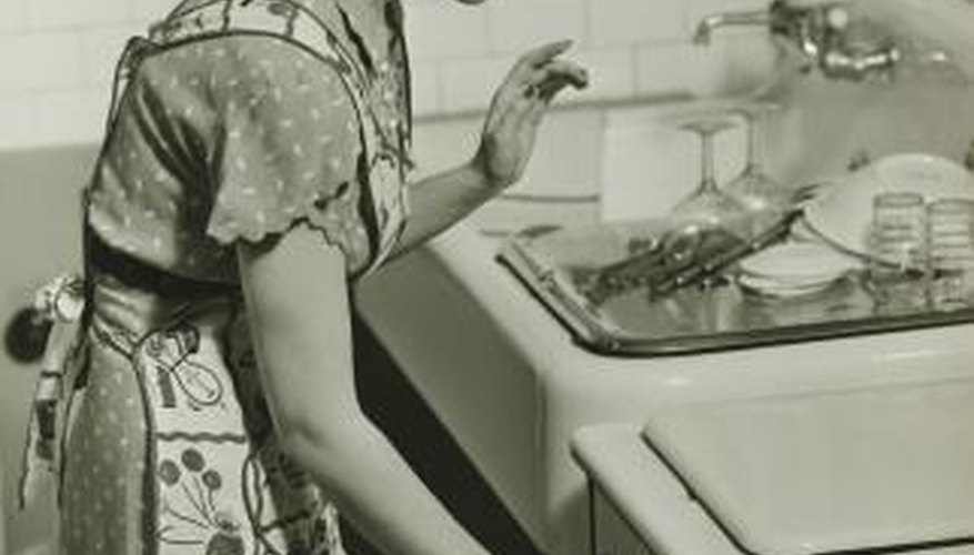 Kitchens of the 1940s offered new appliance options.