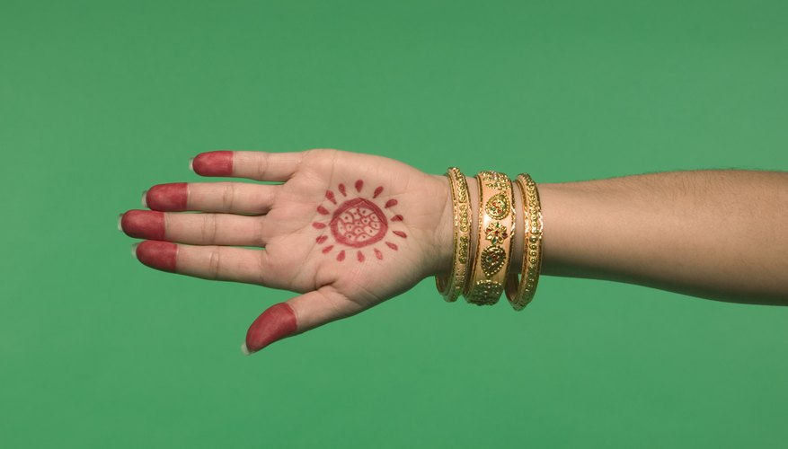 Henna was also used for Egyptian decoration.