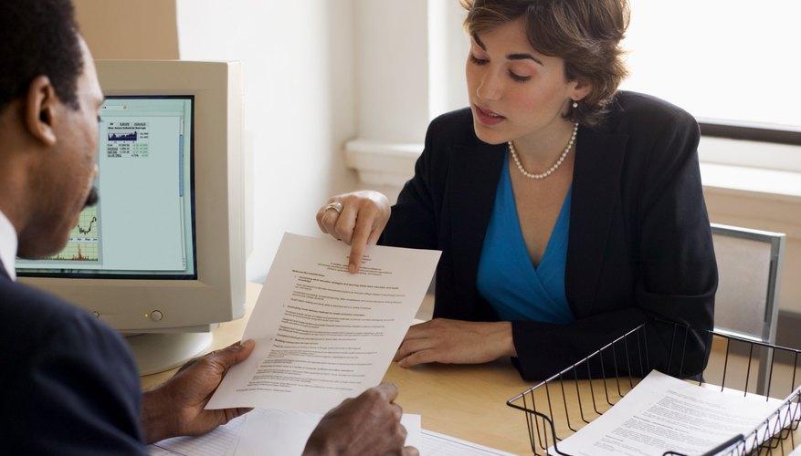 Enfoca tu carta en los detalles, manteniendo tu párrafo introductorio breve y firme.