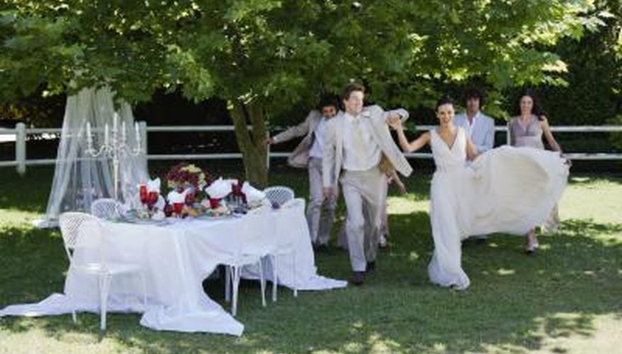 Your weddings buffet table can perfectly fit into your wedding theme.