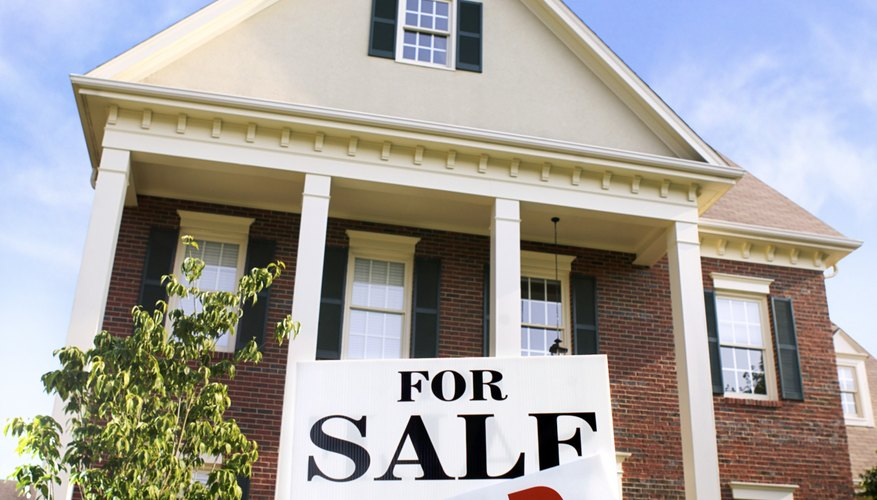 All states require real estate agents to take classes to get licensed.