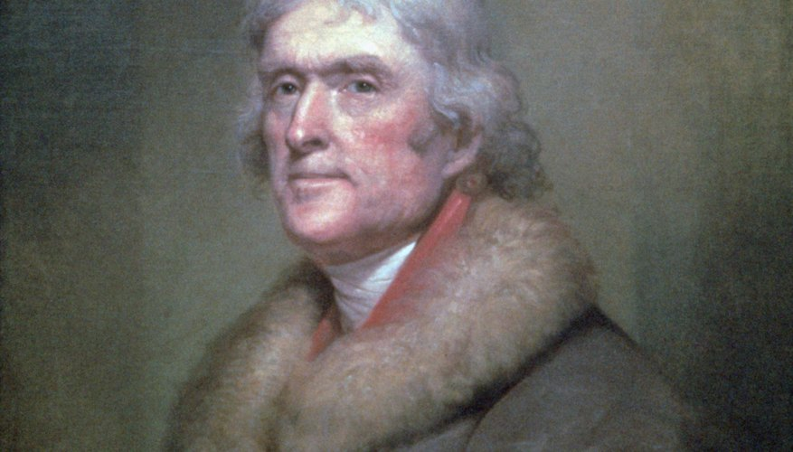 Thomas Jefferson favored a weaker central government