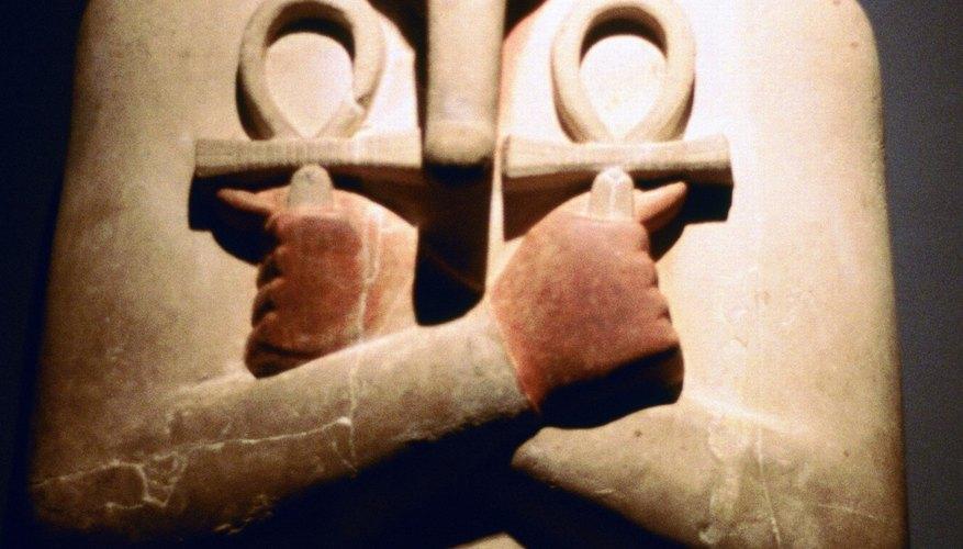 Ancient Egyptian false beards generally had elongated appearances.