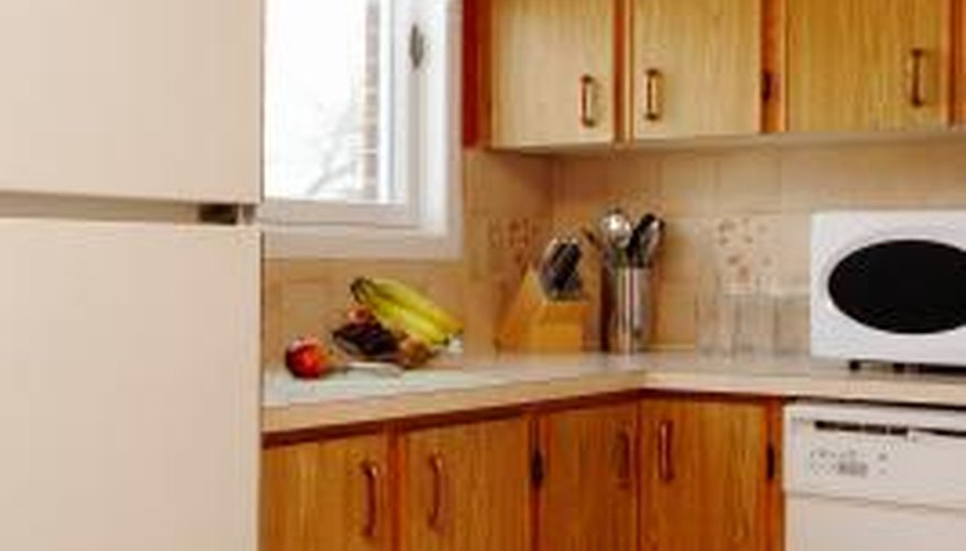 Flip the doors of your Hotpoint refrigerator so it fits your kitchen.