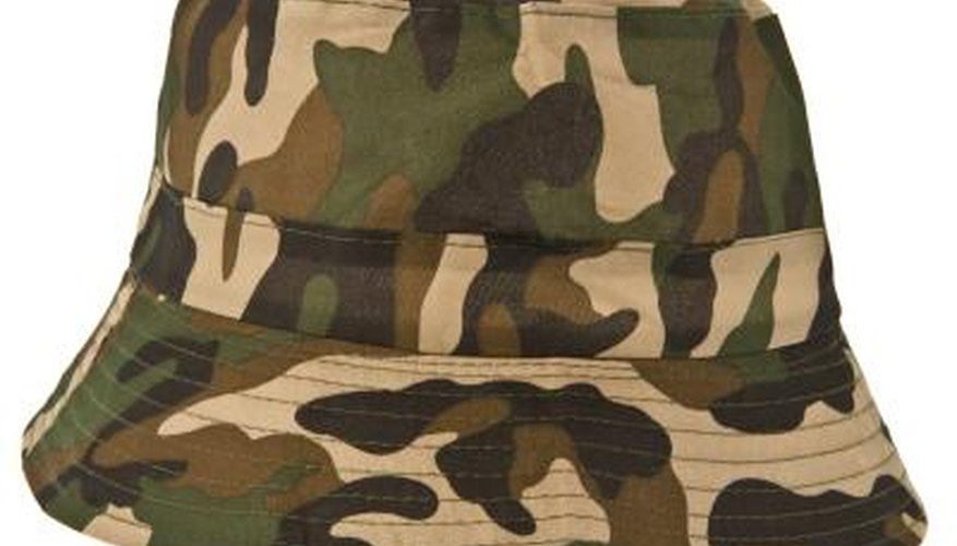 Decorate a cake to look like camouflage.