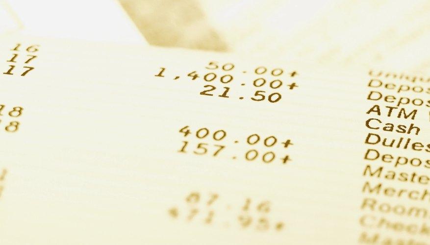 Revisa tu estado de cuenta bancario.