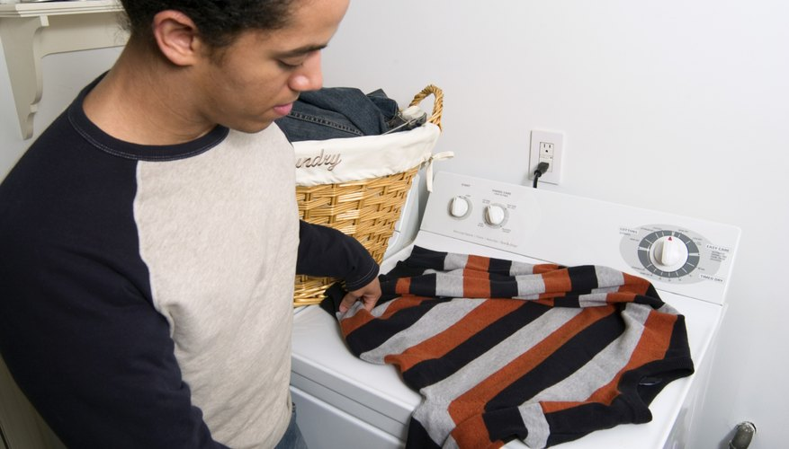 Machine washing cotton sweaters is simple, quick and effective.