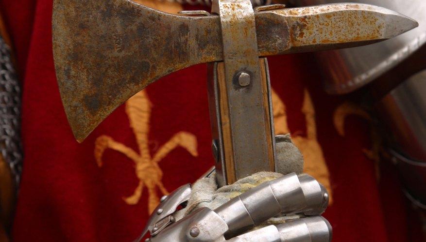 Fleur-de-lis on armor