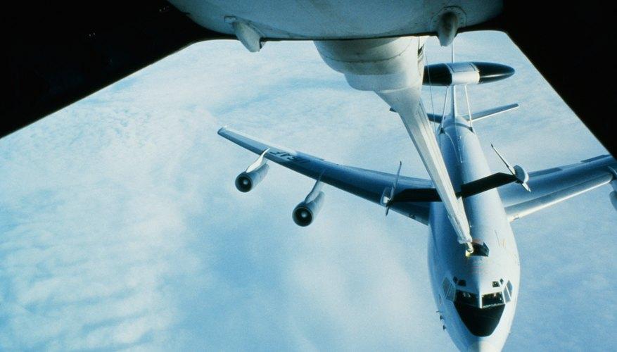 Jets refueling