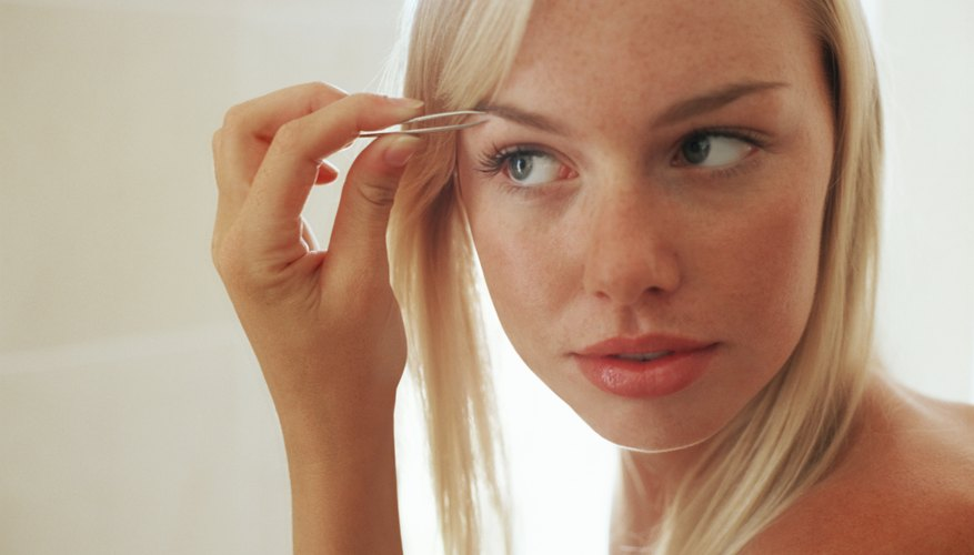 A gentle rounded shape creates the perfect eyebrow anchor for your face.