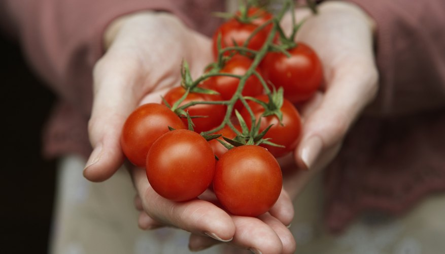 Tomato juice is a mild astringent for oily skin.