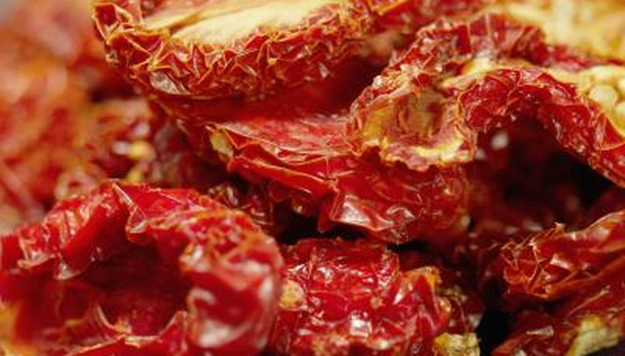 Making sun-dried tomatoes with a microwave requires patience.