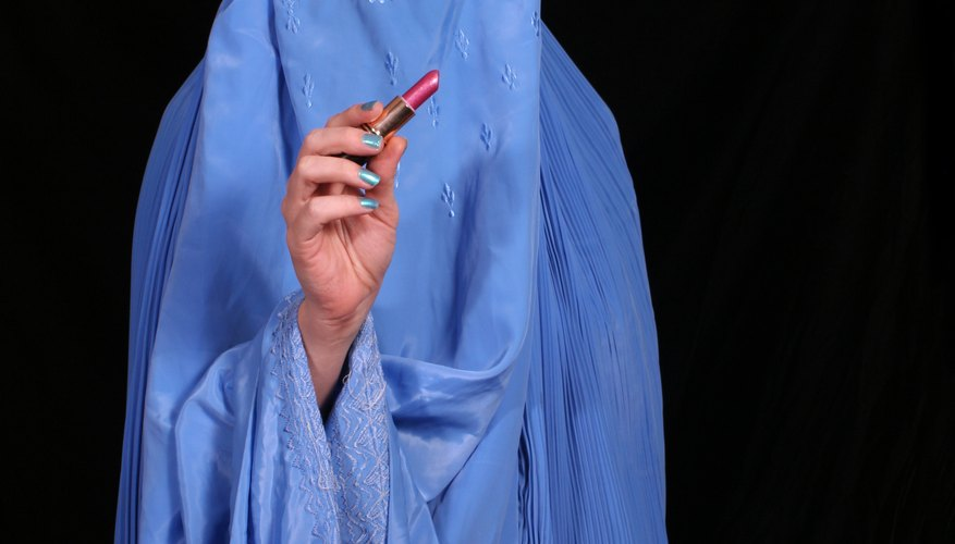 The burqa covers the whole body.