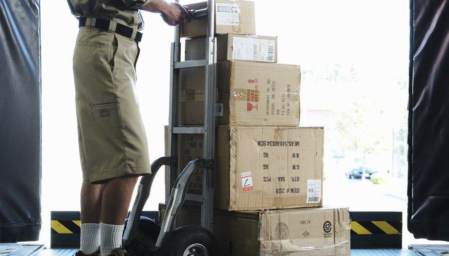 Si estás buscando empleo, debes aplicar para una posición en la página web de UPS.