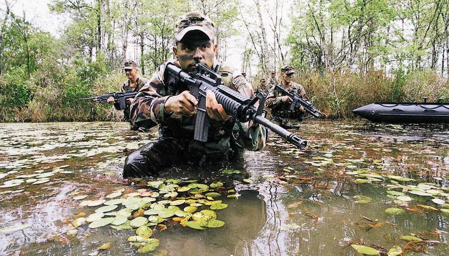 Army Ranger students learning proper patrol techniques