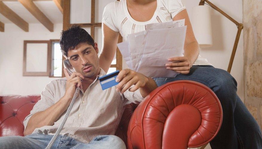 Es importante que ambos cónyuges esten al tanto del contrato realizado con el banco al momento de solicitar la tarjeta de crédito.