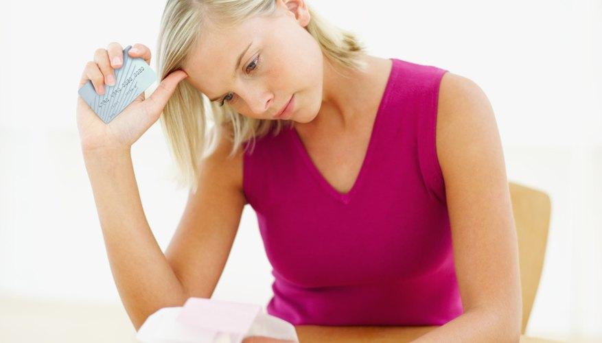 Al momento de solicitar la tarjeta de crédito, hay que tener en cuenta quién o quiénes serán los titulares de la misma.