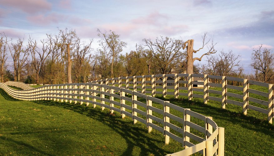 Mimic the fences on an American cattle ranch.