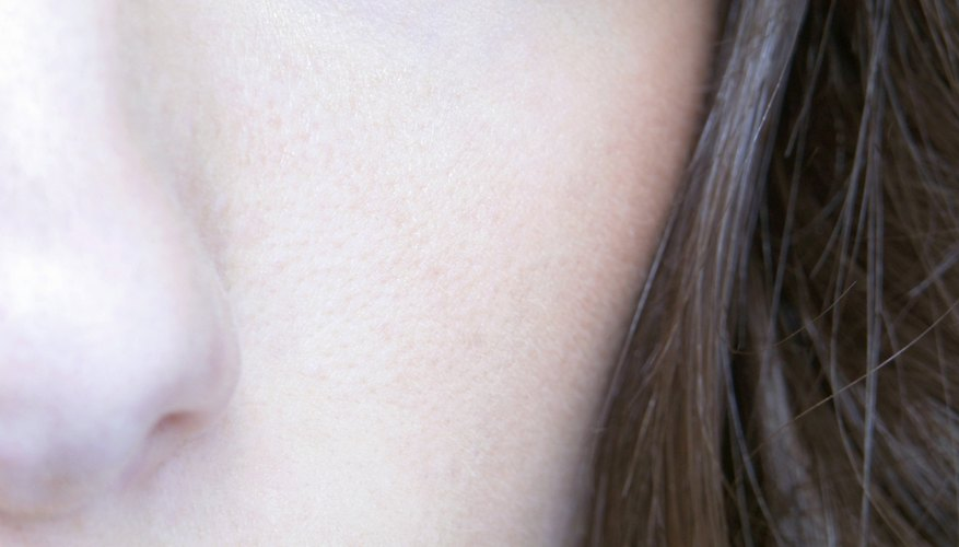 Carefully placed highlighter can change the shape of your eyes.