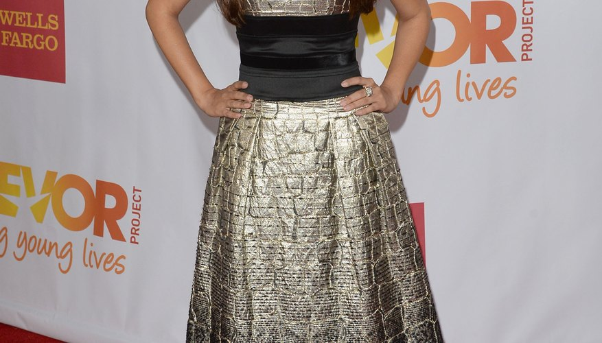 Actress Hannah Simone rocks an A-line dress to show off her slender waist at the TrevorLIVE LA event in 2013.