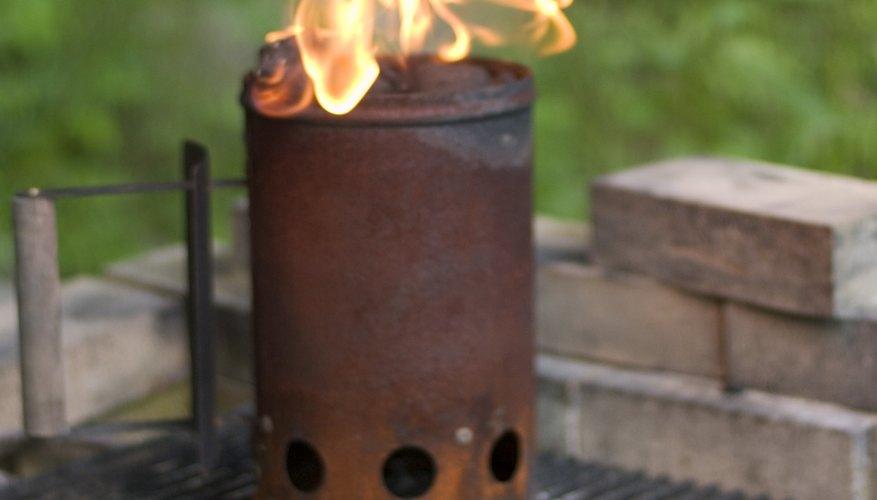 Los incendios requieren oxígeno y combustible para iniciar.