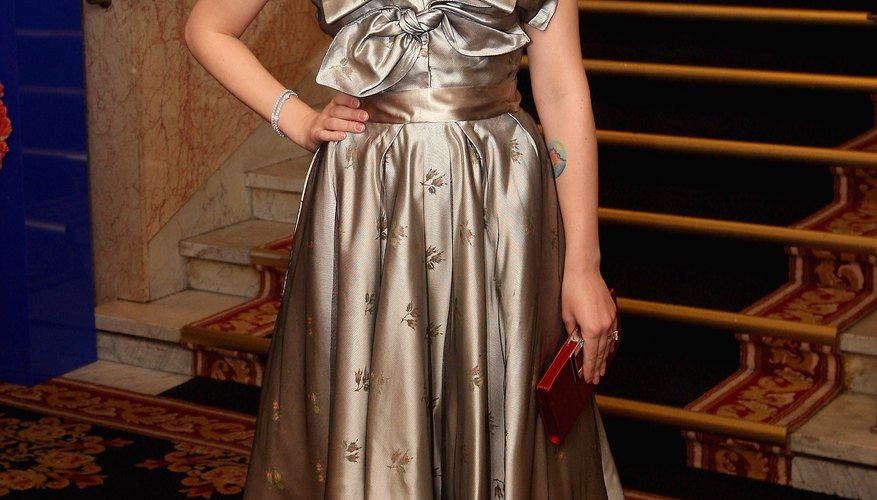 Scarlett Johansson wore a tea-length dress to a Nobel committee banquet in Oslo, Norway, in 2008.