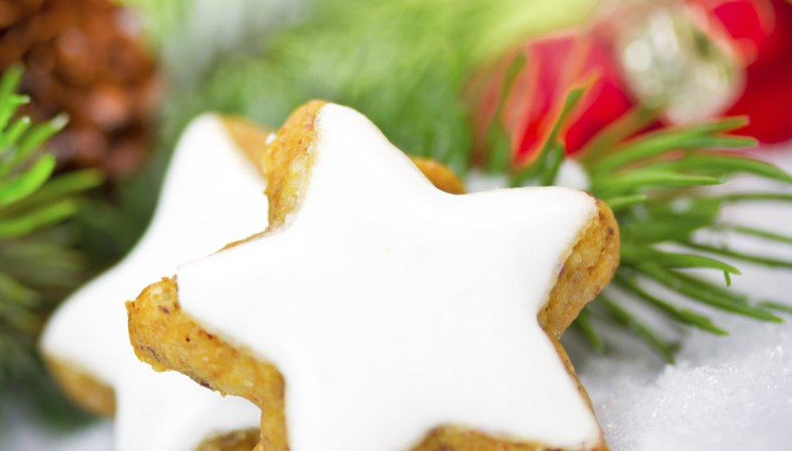 Star shaped desserts are perfect for Christmas.