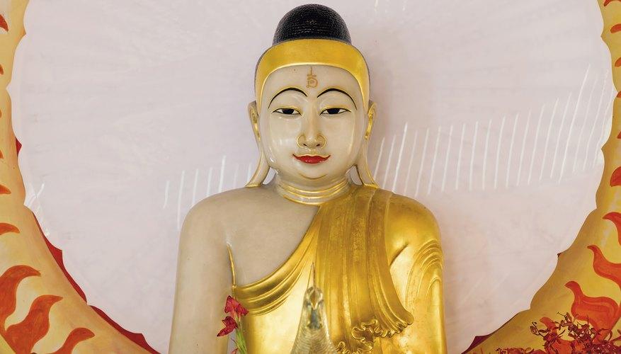A Buddha statue at eye level facilitates focused meditation.