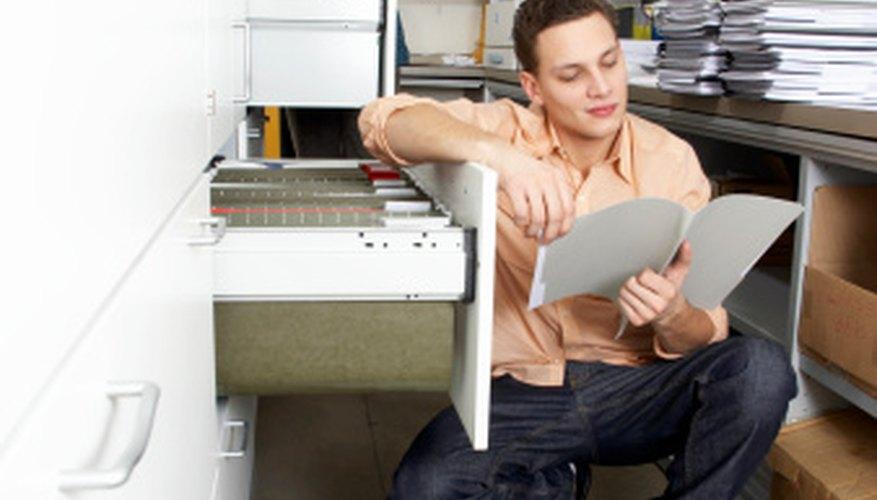 Emplea un proceso de mantenimiento de registros para hacer un seguimiento de las órdenes de trabajo.