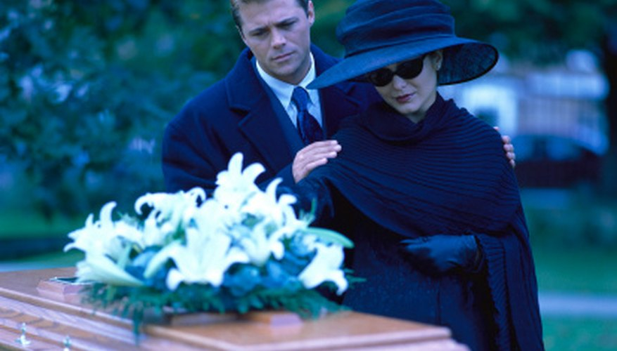 Gaveside prayer services offer a final opportunity to honor the deceased.