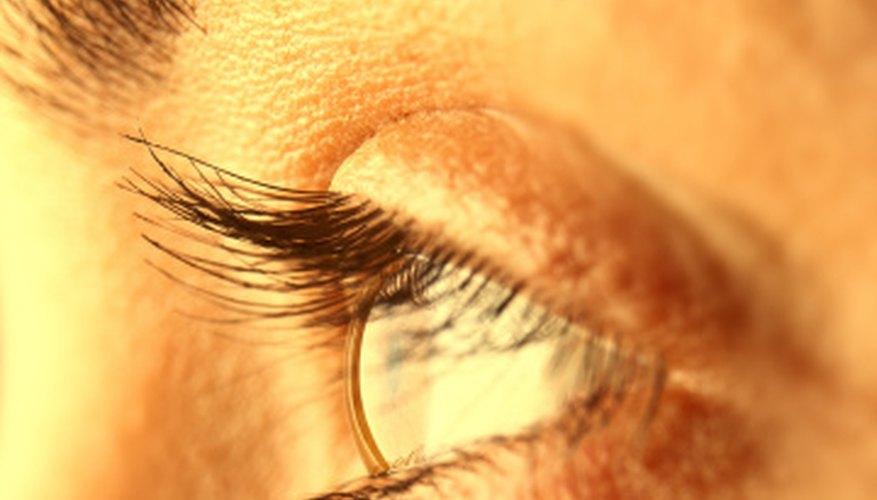 El ojo humano parpadea aproximadamente una vez cada cinco segundos.