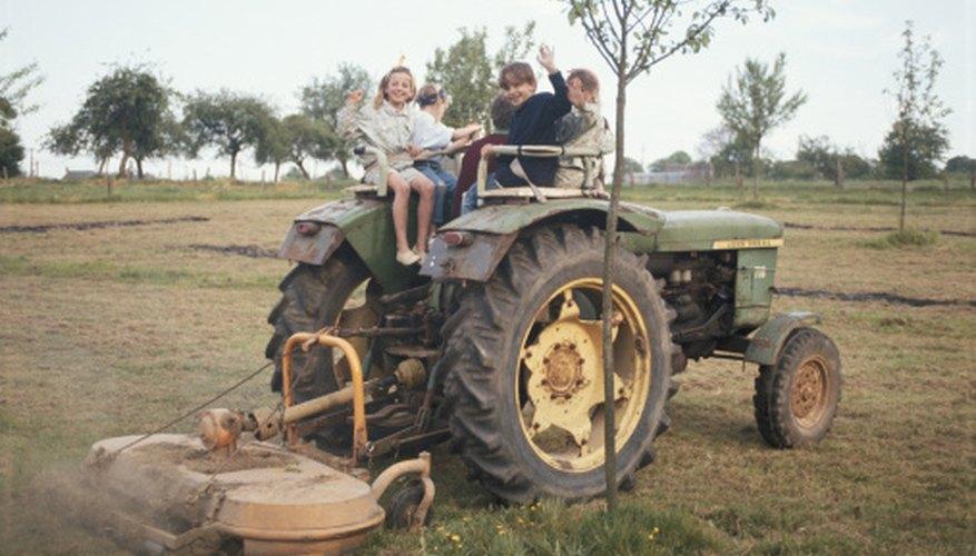 Date vintage John Deere tractors by serial number.