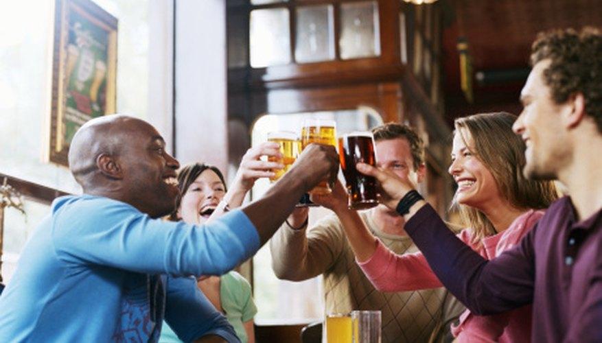 Ofrece a tus clientes una noche para recordar cada fin de semana.