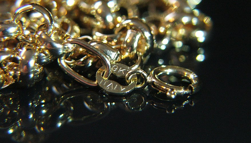 Cadena de oro de 9 quilates.