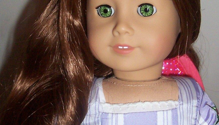 American Girl Doll Felicity con el pelo reacondicionado.