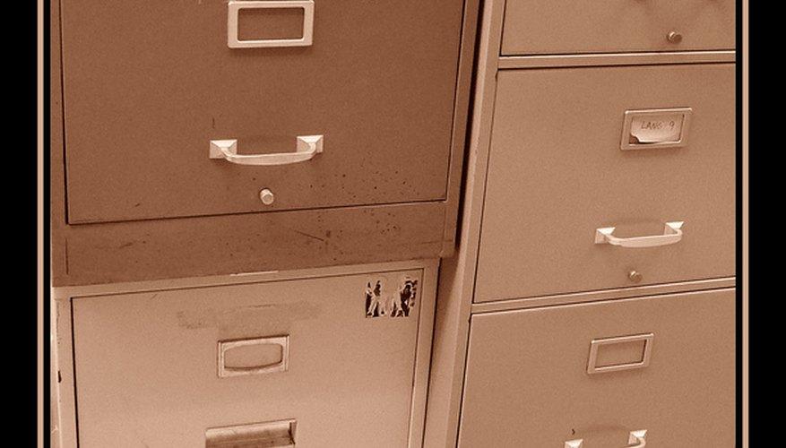 Abre el archivero.