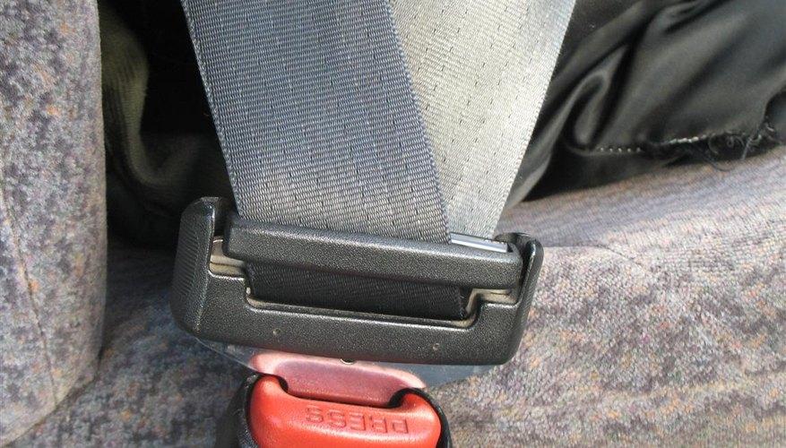 El uso del cinturón de seguridad puede salvar tu vida si sufres un accidente automovilístico.