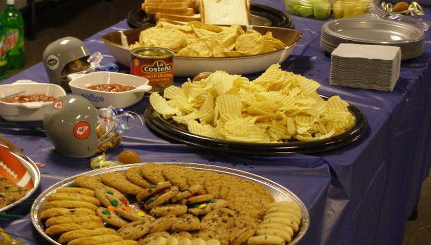 Divide los alimentos en distintos platos.