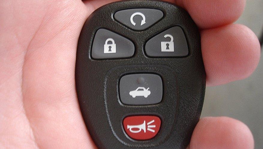 Aprende a reparar la alarma de tu auto.