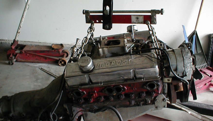 Probablemente necesites ayuda de un mecánico para construir un motor.