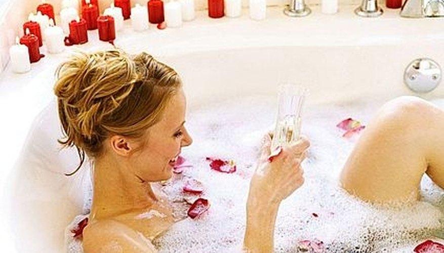 Plan a Romantic Bath for Valentine's Day