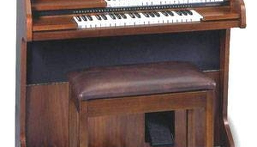 A Lowery Voyager organ